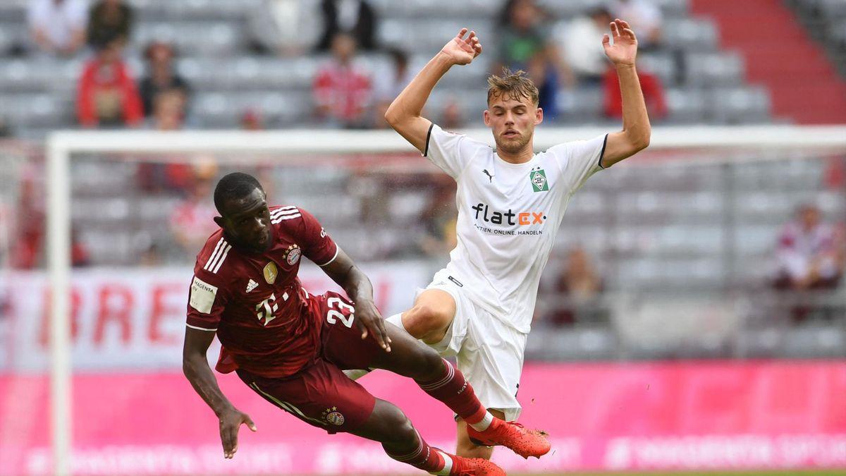 Tanguy Nianzou (l.) im Test gegen Gladbach