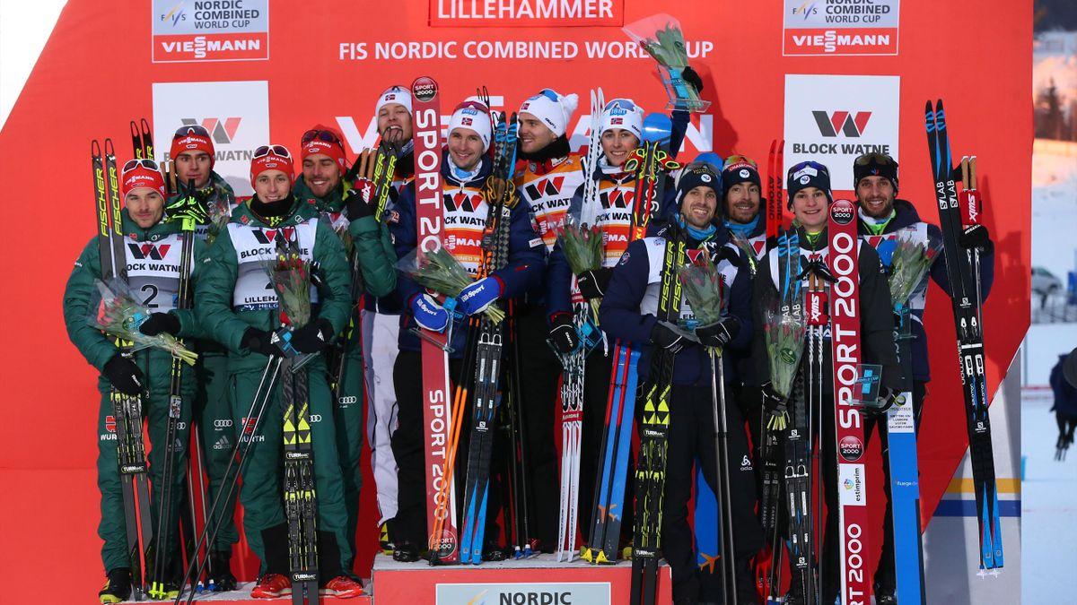 Jason Lamy-Chappuis et l'équipe de France sur le podium à Lillehammer