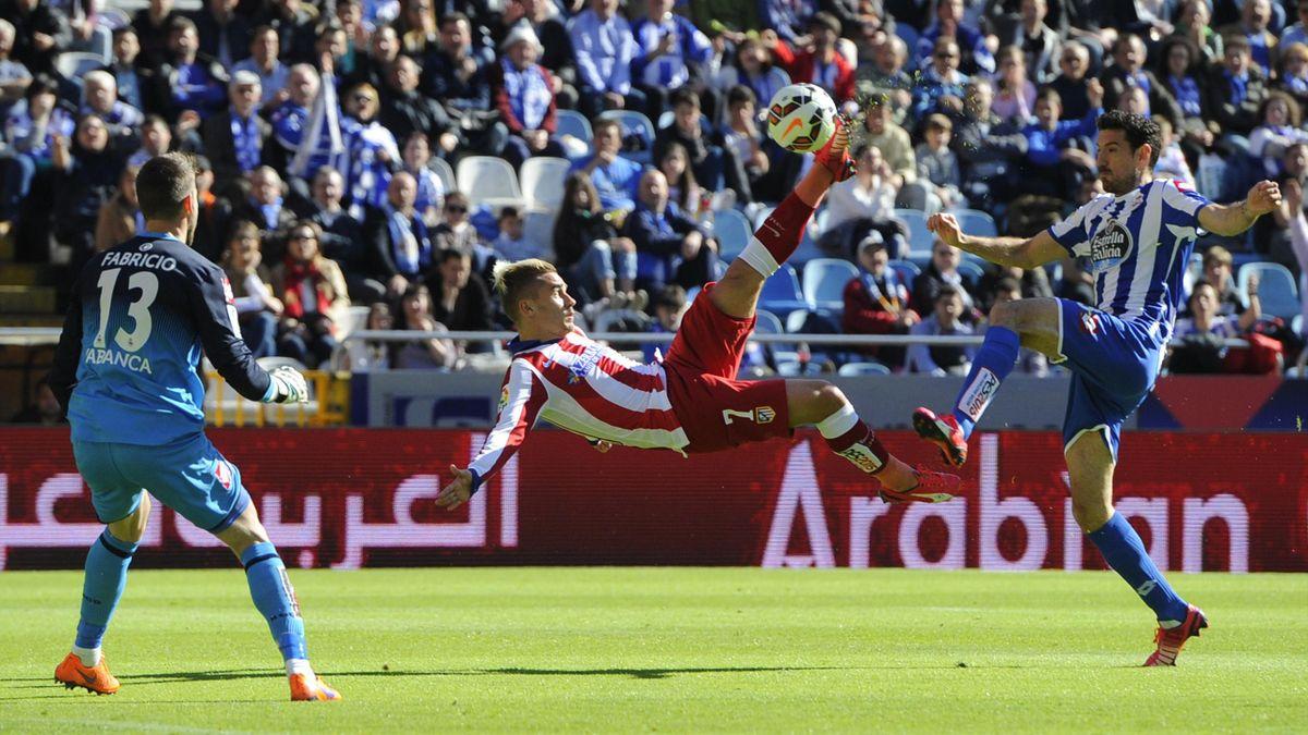 Антуан Гризманн ударом через себя открывает счет в матче «Депортиво» – «Атлетико»