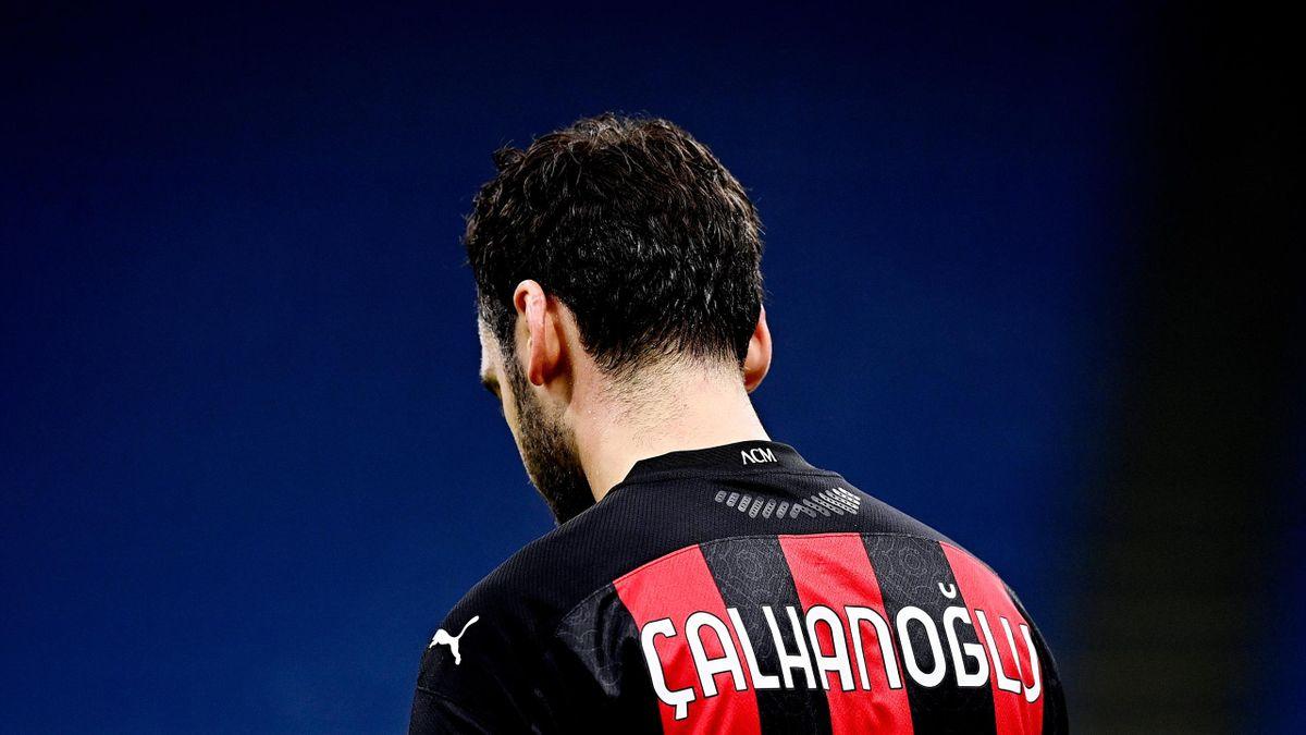 Hakan Calhanoglu in Milan-Juventus