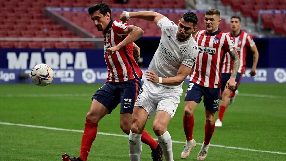 Rafa Mir (Huesca) împotriva lui Atletico Madrid pe Wanda Metropolitano, 22 aprilie 2021