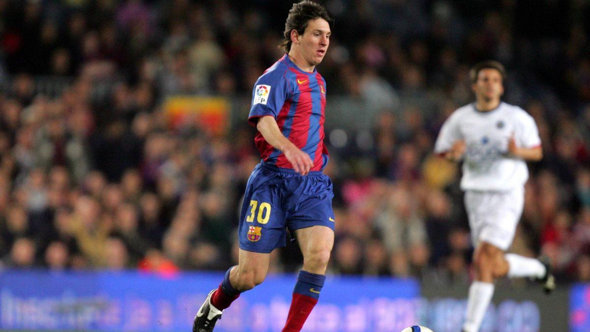 Messi, în 2004, anul în care a debutat pentru Barcelona