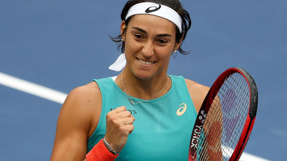 Caroline Garcia celebrates her win over Karolina Pliskova