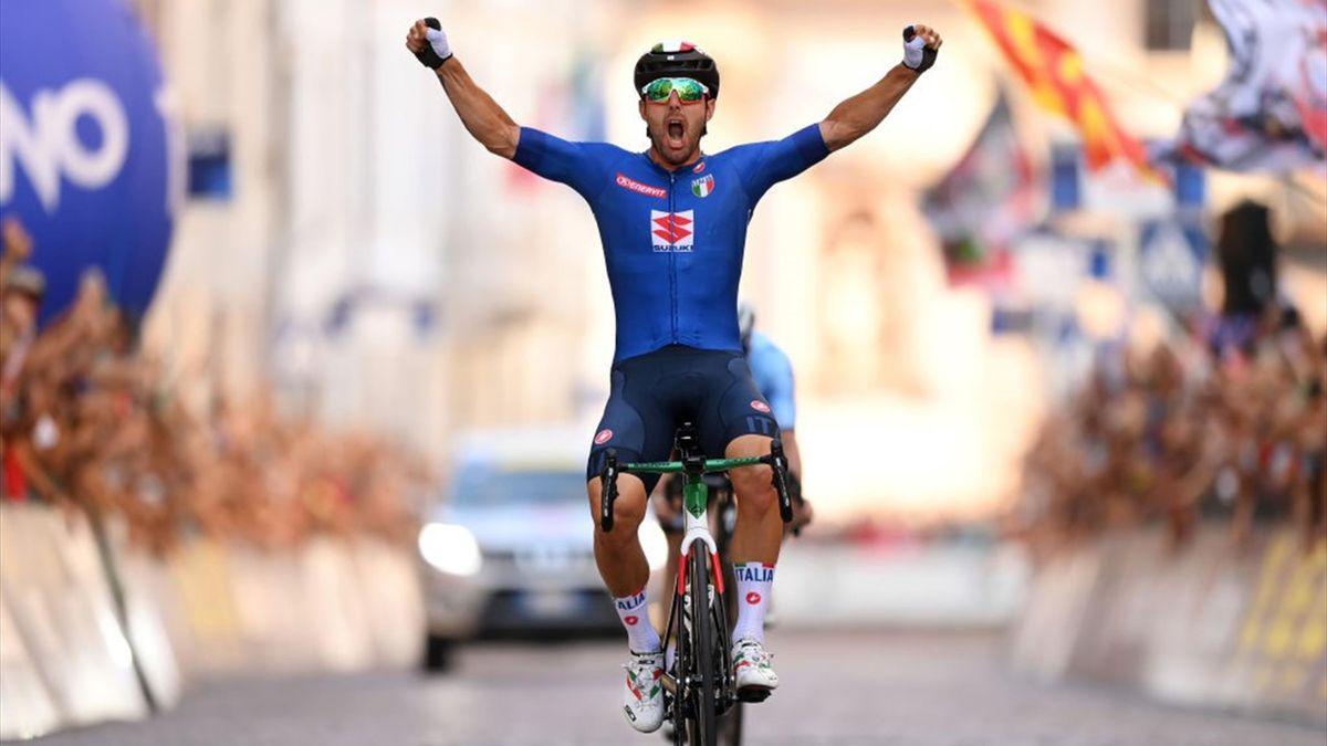 Sonny Colbrelli vince a Trento gli Europei di ciclismo 2021 dopo aver battuto Evenepoel