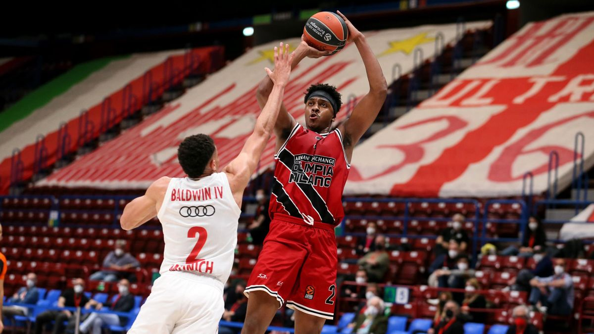 Zach Leday, #02 of AX Armani Exchange Milan in action during the 2020/2021 Turkish Airlines Euroleague Play Off Game 2 between AX Armani Exchange Milan and FC Bayern Munich at Mediolanum Forum on April 22, 2021 in Milan, Italy