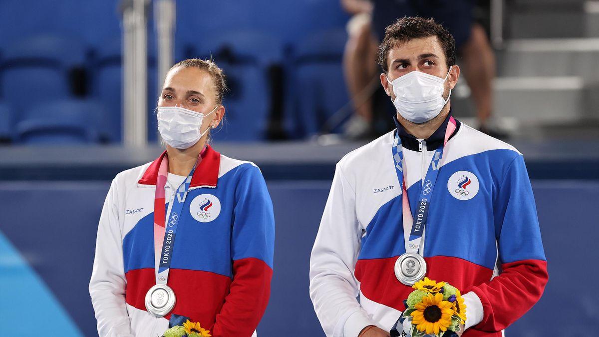 Елена Веснина и Аслан Карацев с серебром Игр в Токио