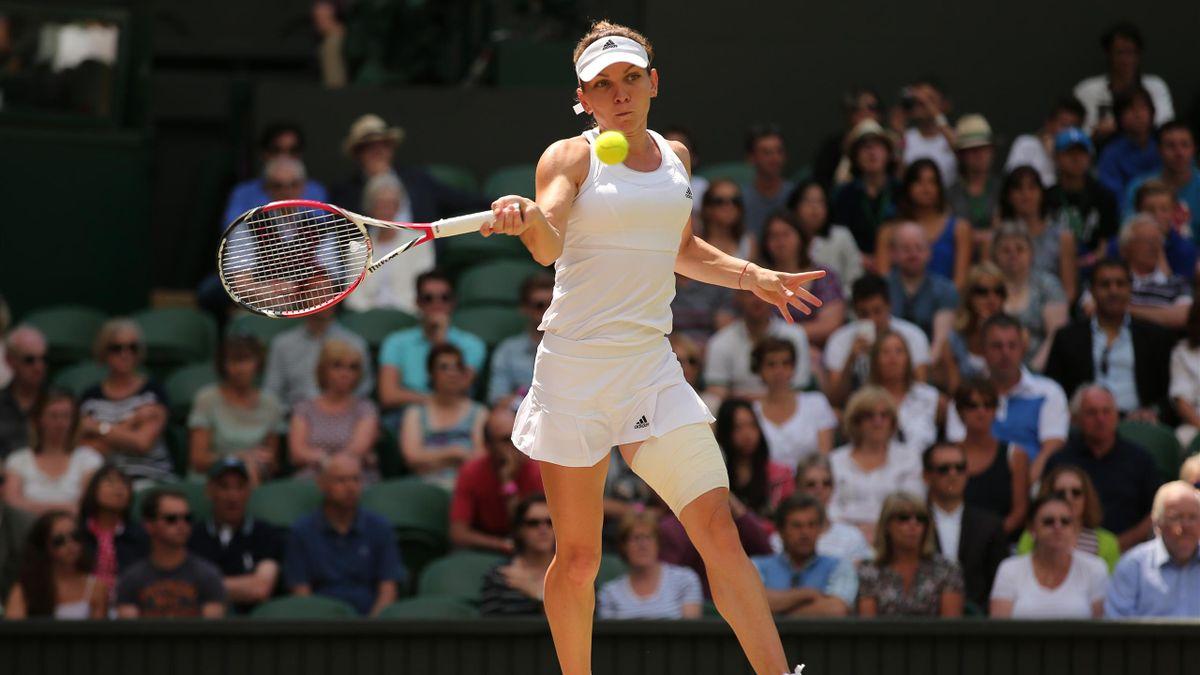 Simona Halep en pleine action à Wimbledon