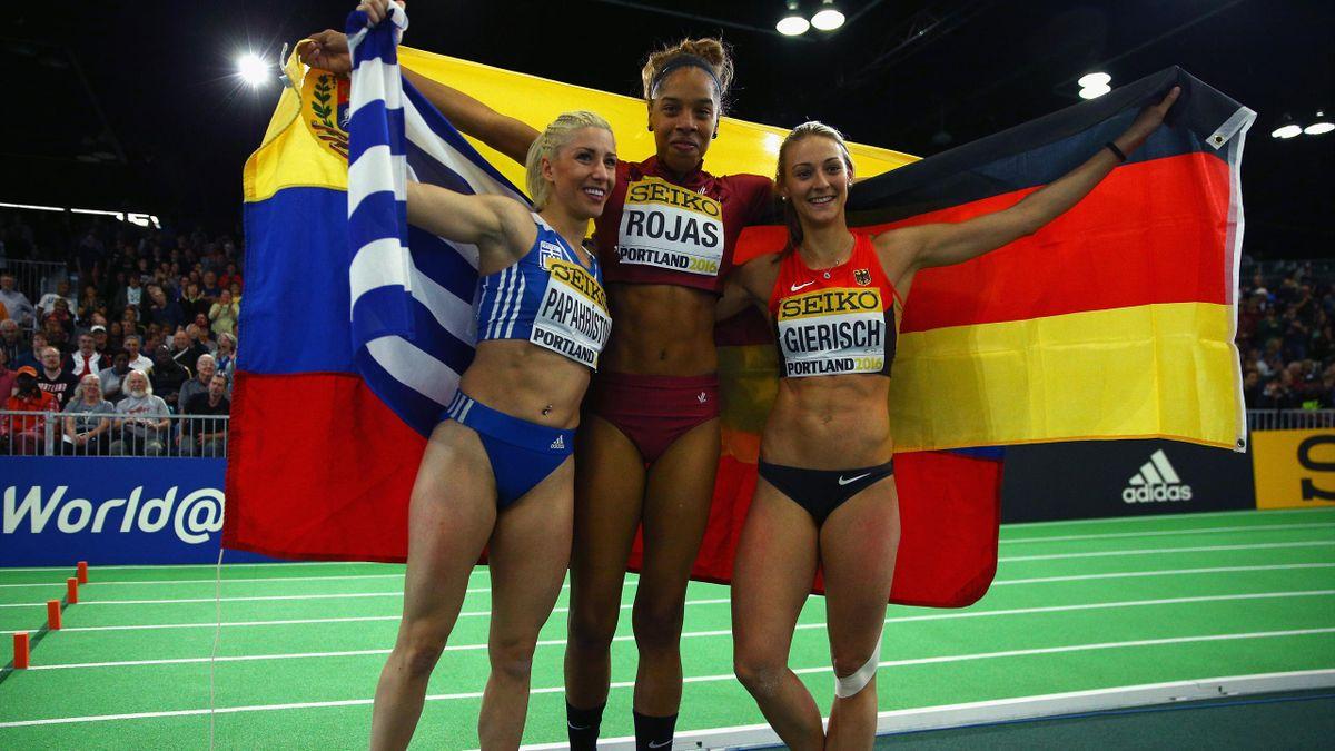 Silbermedaille für Dreispringerin Kristin Gierisch (r.)