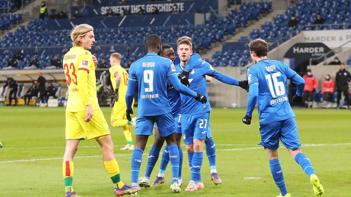 Die TSG 1899 Hoffenheim bejubelt den Heimsieg gegen den 1. FC Köln