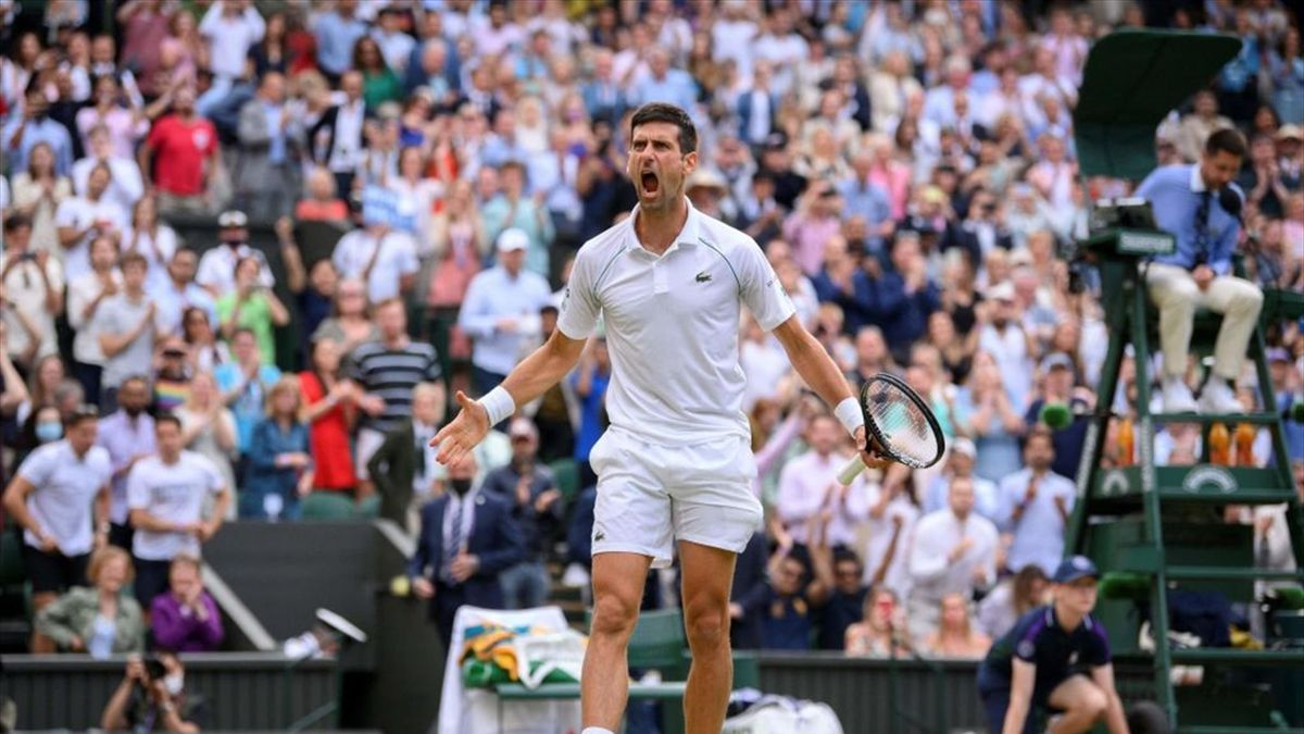 Novak Djokovic bejubelt seinen Halbfinal-Sieg in Wimbledon gegen Denis Shapovalov