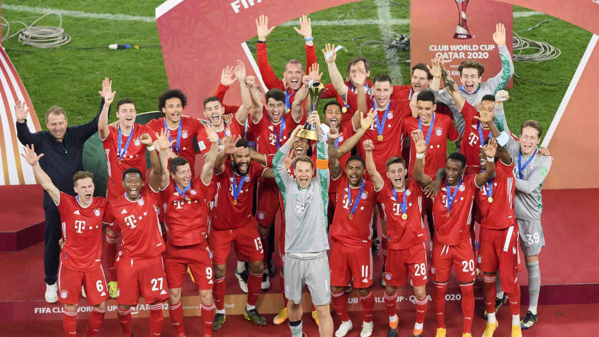 Manuel Neuer of FC Bayern Muenchen lifts the FIFA Club World Cup Qatar 2020 trophy