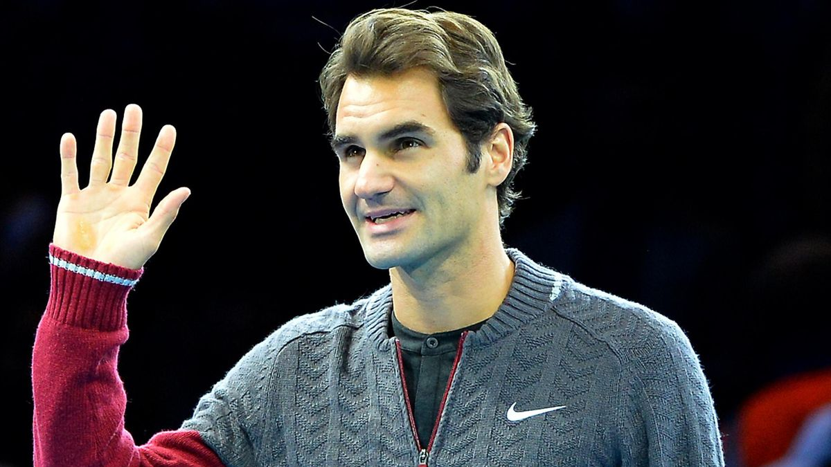 Roger Federer announces his withdrawal from the final of the World Tour Finals at the O2 Arena in London (AFP)