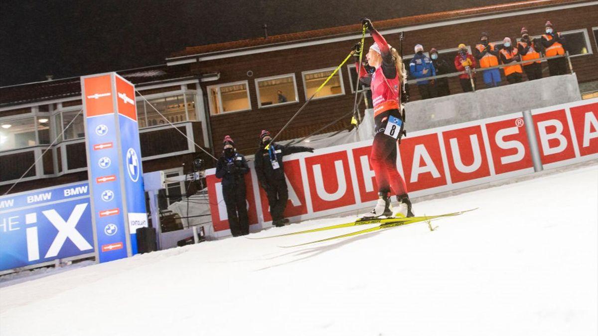 Tiril Eckhoff jubelt über ersten Saisonsieg