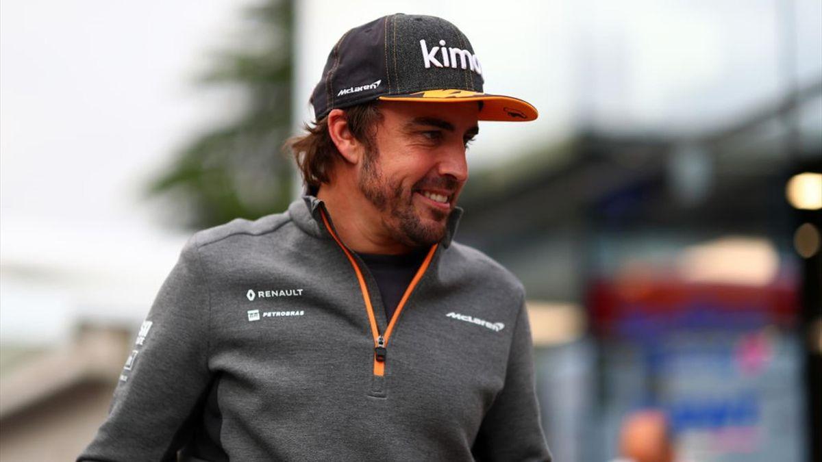 Fernando Alonso soll bereits am Dienstag eine Testfahrt für Renault absolvieren
