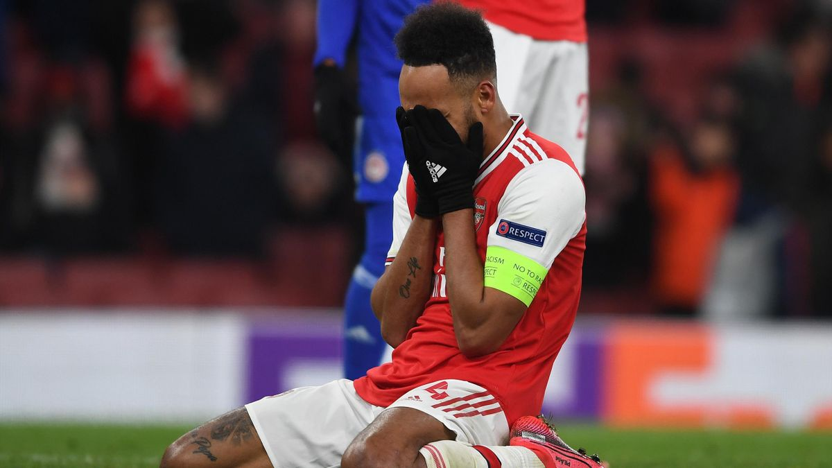 Arsenal's Pierre-Emerick Aubameyang misses a late goalscoring opportunity for Arsenal during the UEFA Europa League round of 32 second leg match between Arsenal FC and Olympiacos FC at Emirates Stadium on February 27, 2020 in London, United Kingdom