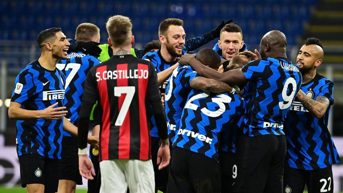 Inter Milan celebrate Christian Eriksen's late winner