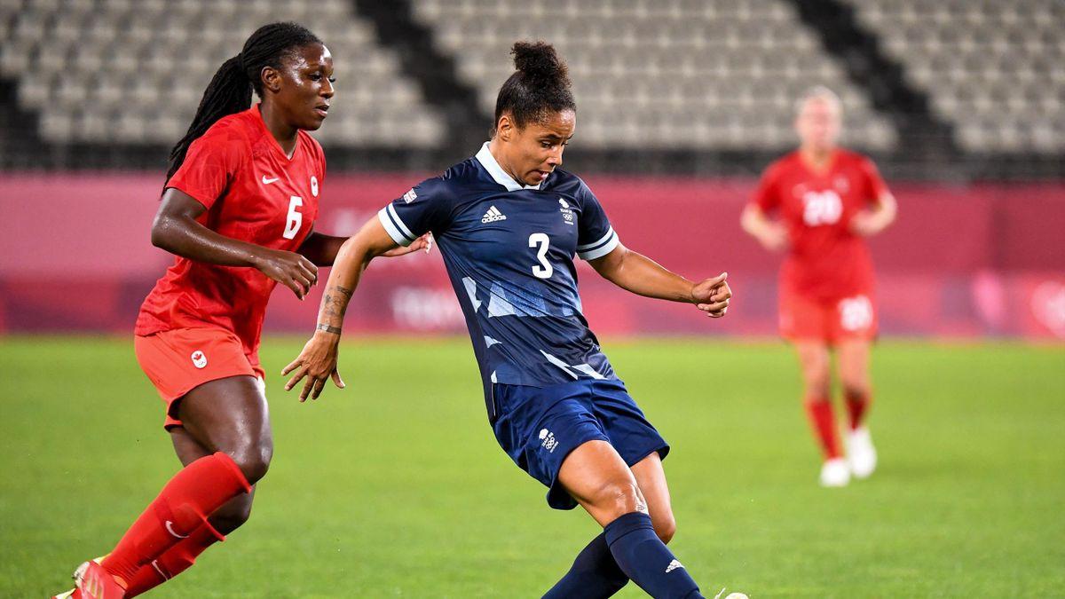 Demi Stokes controls the ball