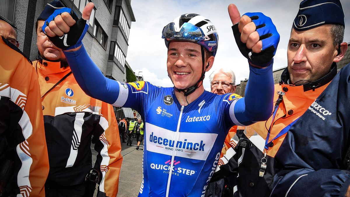 Belgian Remco Evenepoel of Deceuninck - Quick-Step celebrates after winning the second stage of the Baloise Belgium Tour cycling race, 180,8km from Knokke-Heist to Zottegem, Thursday 13 June 2019. BELGA PHOTO DAVID STOCKMAN (Photo credit should read DAVID