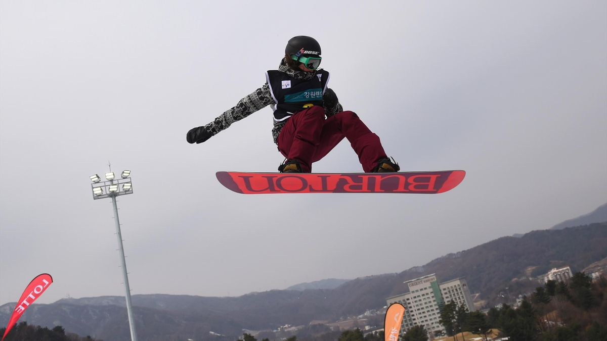 Kelly Clark of the US competes during the women's halfpipe final in the FIS Snowboard World Cup at Phoenix Snow Park in Pyeongchang on February 19, 2017. The FIS World Cup event is a test event for the upcoming PyeongChang 2018 Winter Olympic Games.