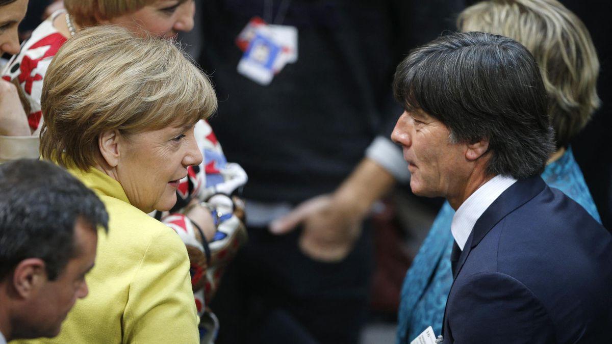 Joachim löw tauschte sich mit Angela Merkel aus