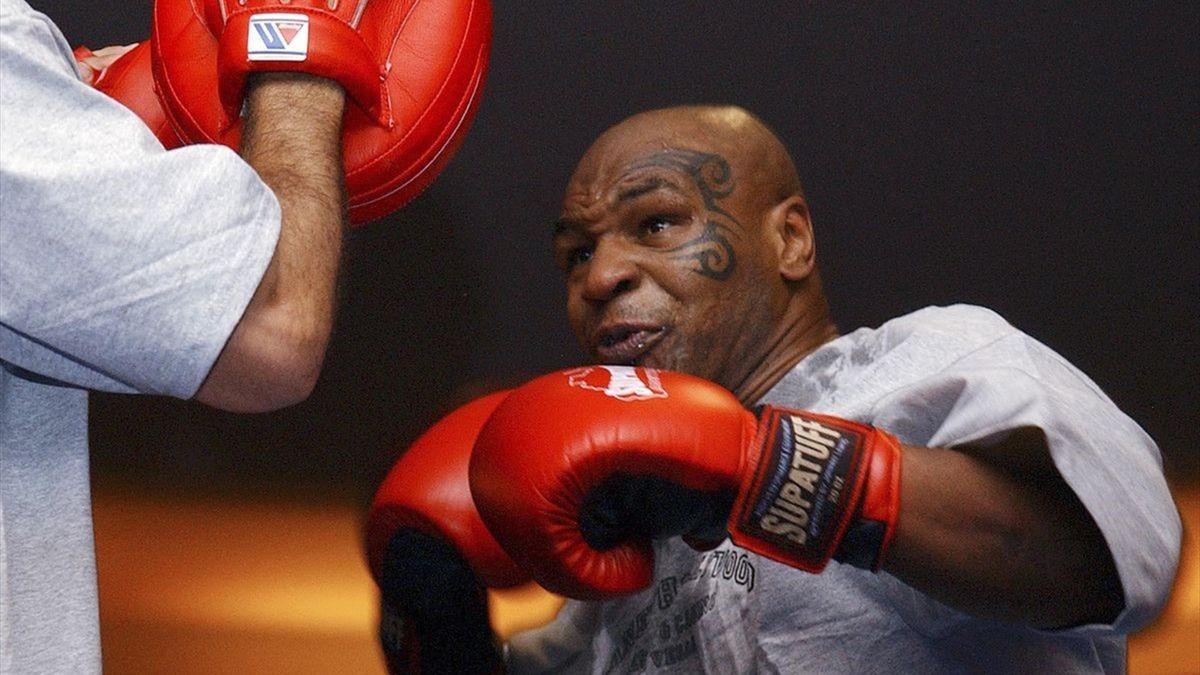 Mike Tyson & Roy Jones Jr.