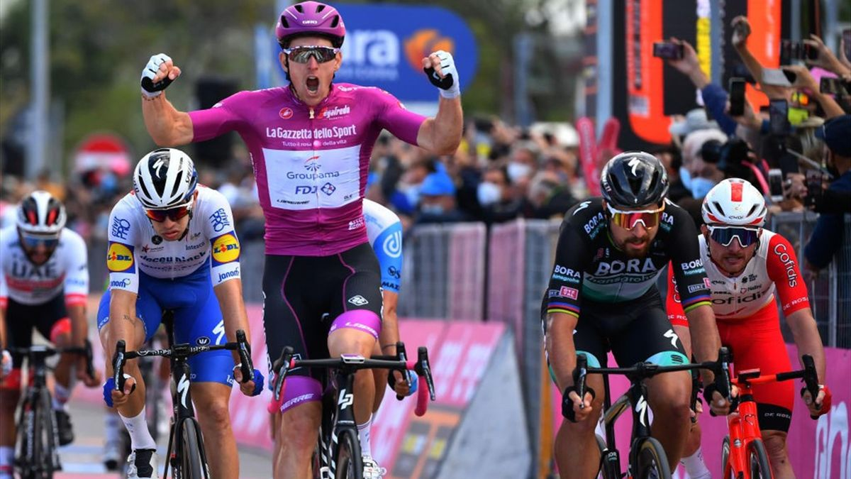 Giro 2020 - Stage 11 : Arnaud Demare wins the stage 11