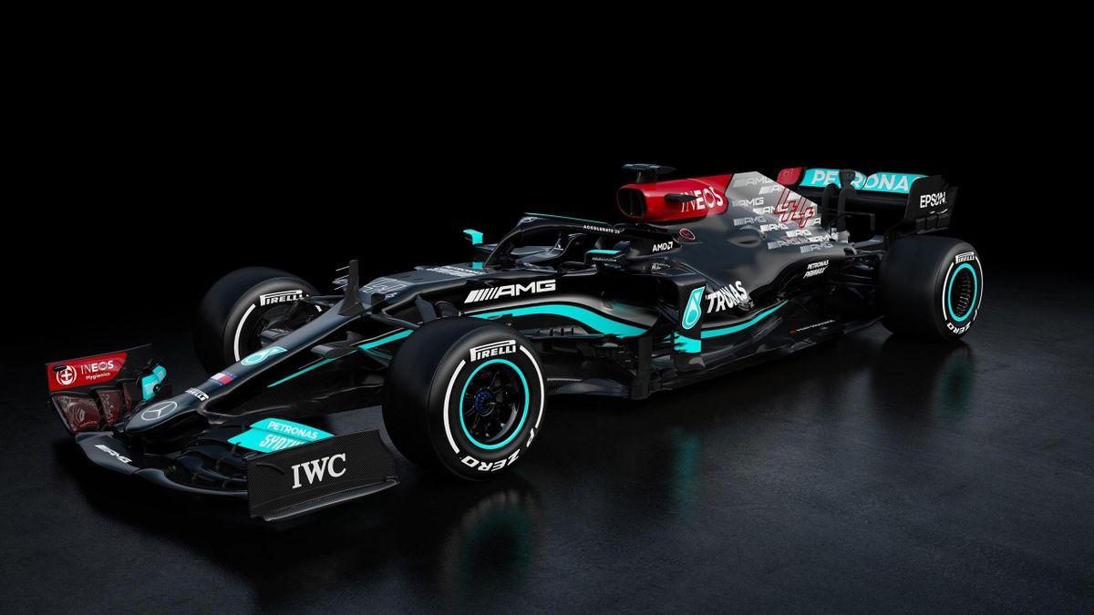 Mercedes dévoile sa W12 du championnat 2021