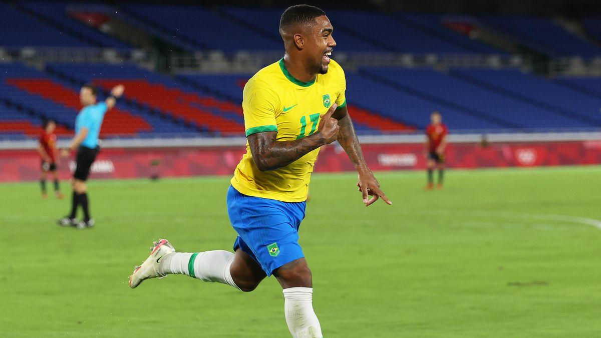 Malcom buteur pour offrir le titre au Brésil