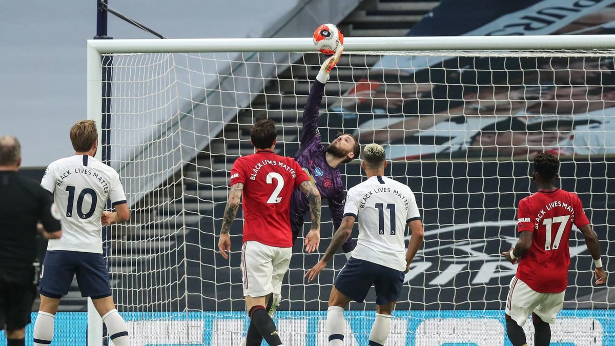 David de Gea of Manchester United makes a save during the Premier League match between Tottenham Hotspur and Manchester United at Tottenham Hotspur Stadium on June 19, 2020 in London, United Kingdom