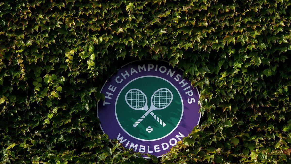 Das Wimbledon-Logo außerhalb des Center Courts