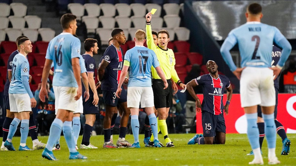 "Felix Brych zeigt Kevin De Bruyne ""nur"" die Gelbe Karte - Paris Saint-Germain vs. Manchester City"