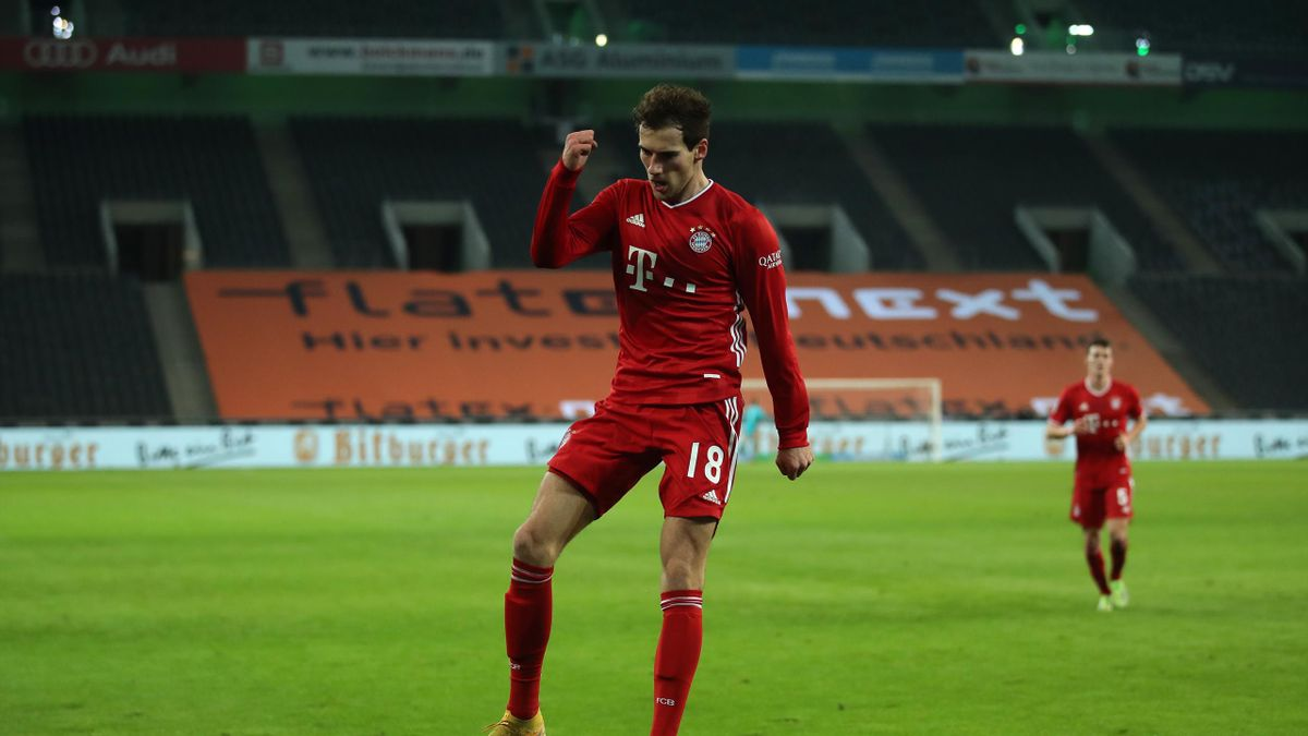 Leon Goretzka of Bayern Munich celebrates after scoring their sides second goal during the Bundesliga match between Borussia Moenchengladbach and FC Bayern Muenchen at Borussia-Park on January 08, 2021 in Moenchengladbach, Germany.