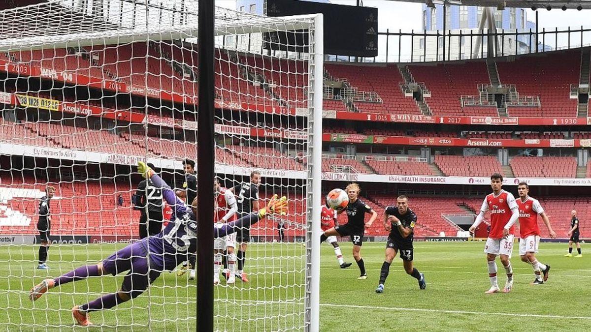 Amicalul dintre Arsenal și Charlton
