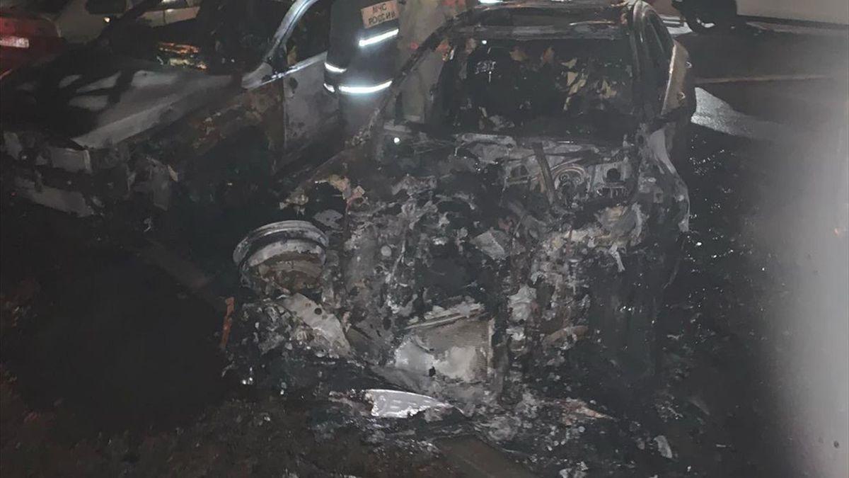 Машина журналиста Егорова после поджога
