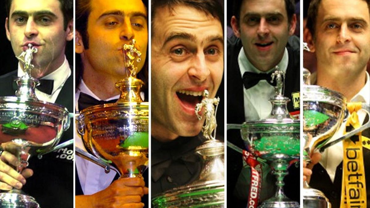 Ronnie O'Sullivan shows off his five world titles