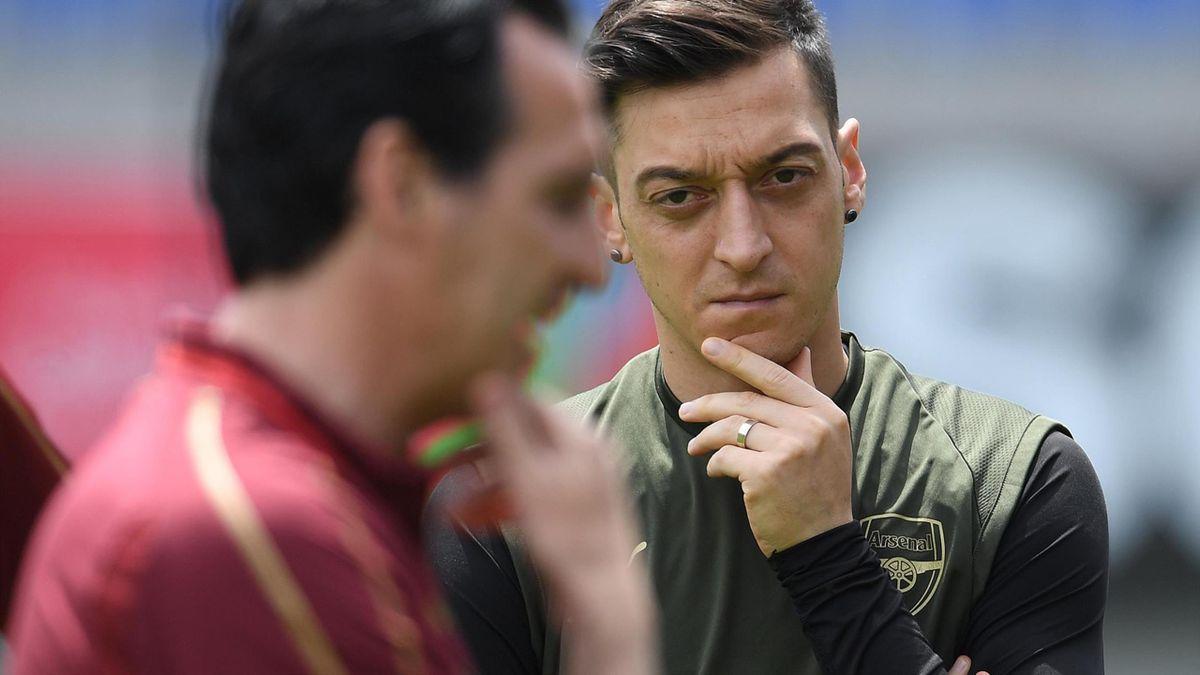 Mesut Özil, Unai Emery
