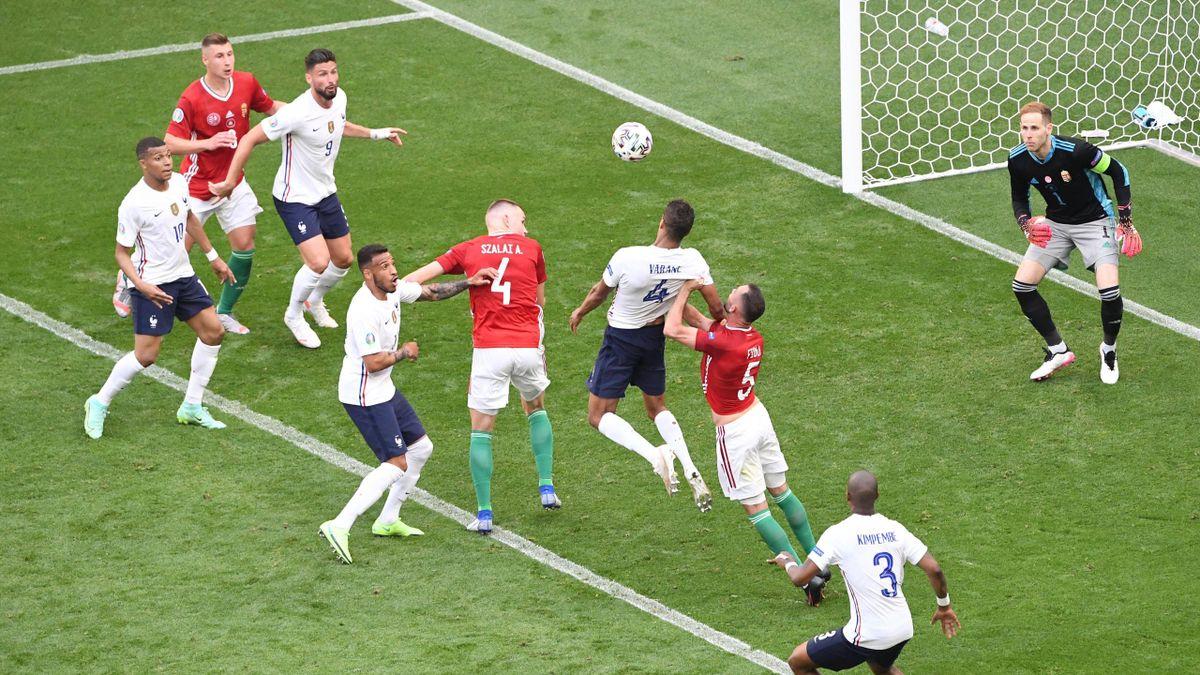 Varane et les Bleus ont buté sur la Hongrie samedi