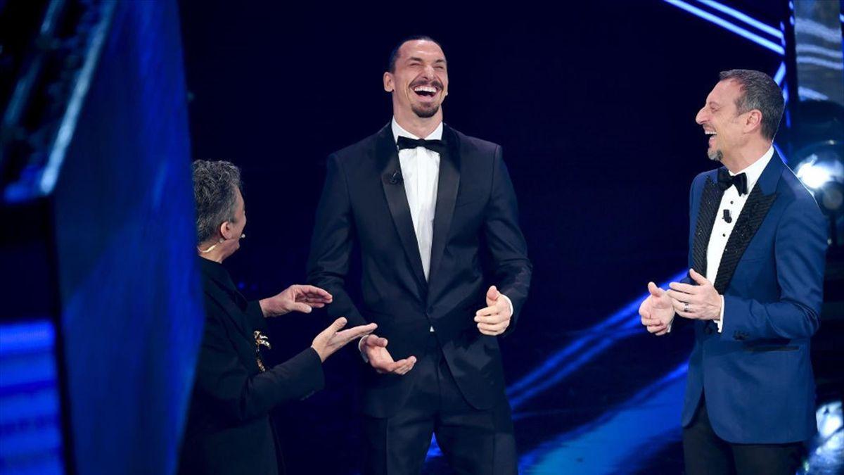 Zlatan Ibrahimovic (Mitte) beim Sanremo-Festival 2021