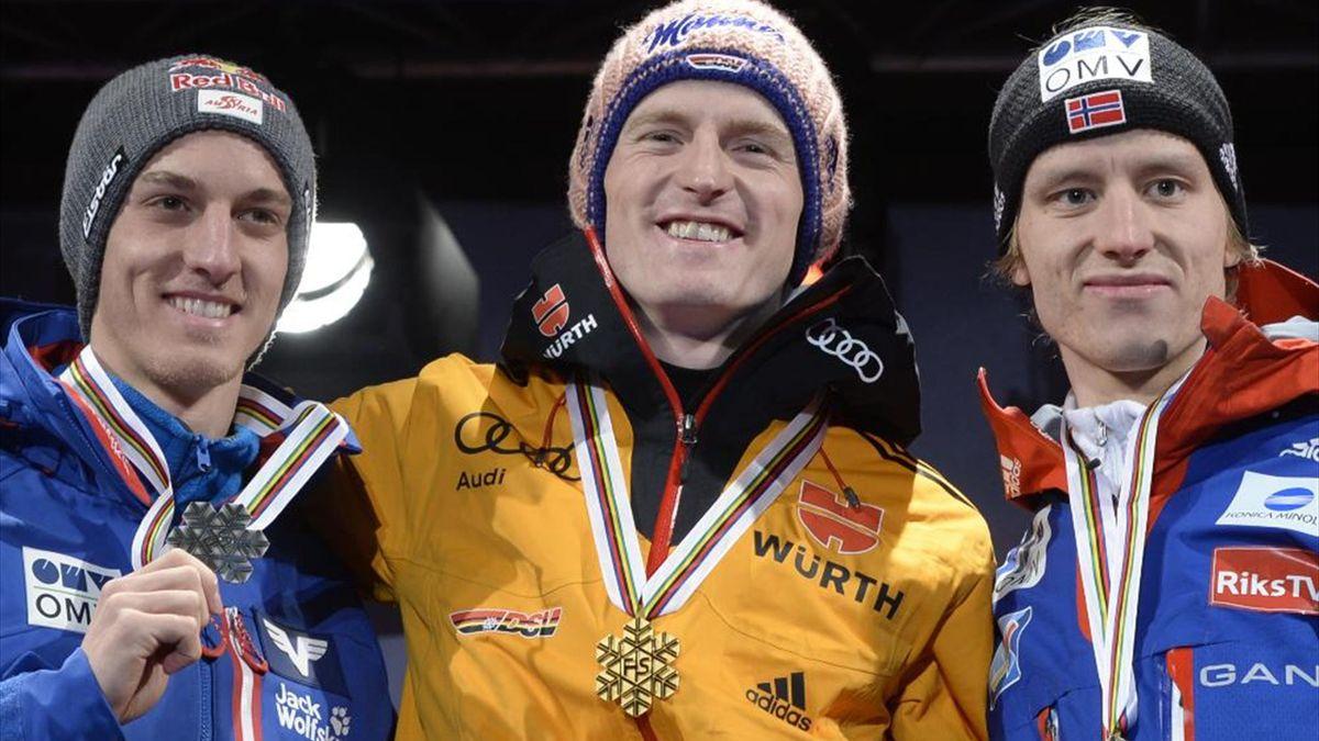 Severin Freund (M.) gewinnt WM-Gold im Skispringen