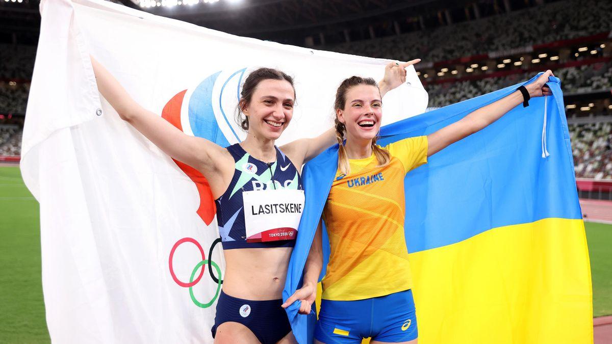 Мария Ласицкене и Ярослава Магучих