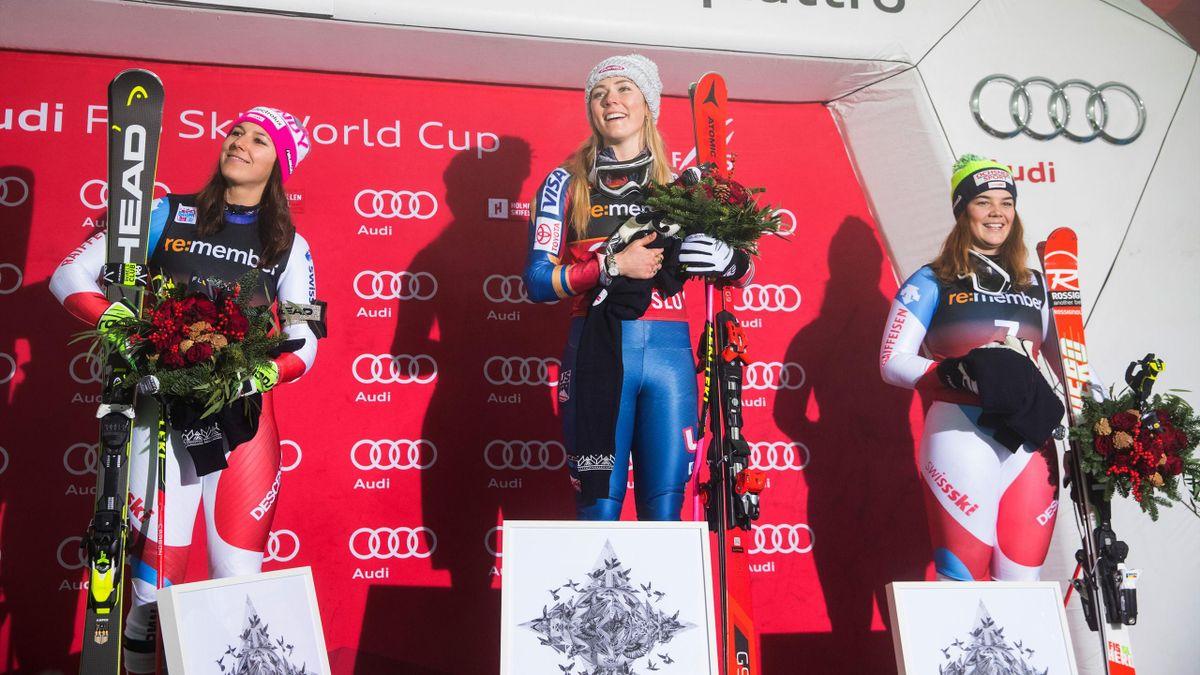 Mikaela Shiffrin, Wendy Holdener et Melanie Meillard sur le podium du City Event d'Oslo le 1er janvier 2018
