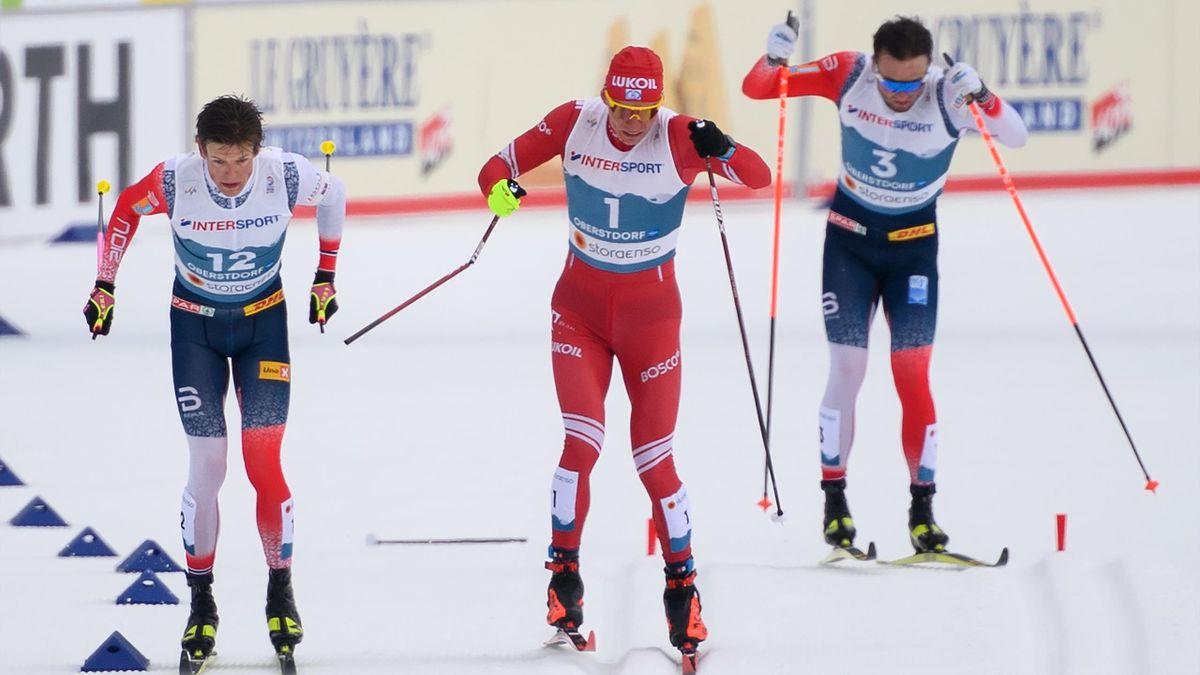 Финиш марафона на ЧМ-2021: Йоханнес Клебо, Александр Большунов со сломанной палкой и Эмиль Иверсен