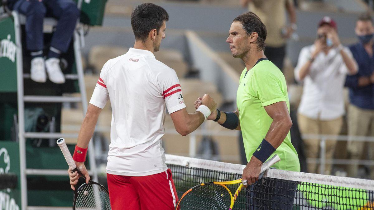 Novak Djokovic (l.) und Rafael Nadal nach dem French-Open-Halbfinale