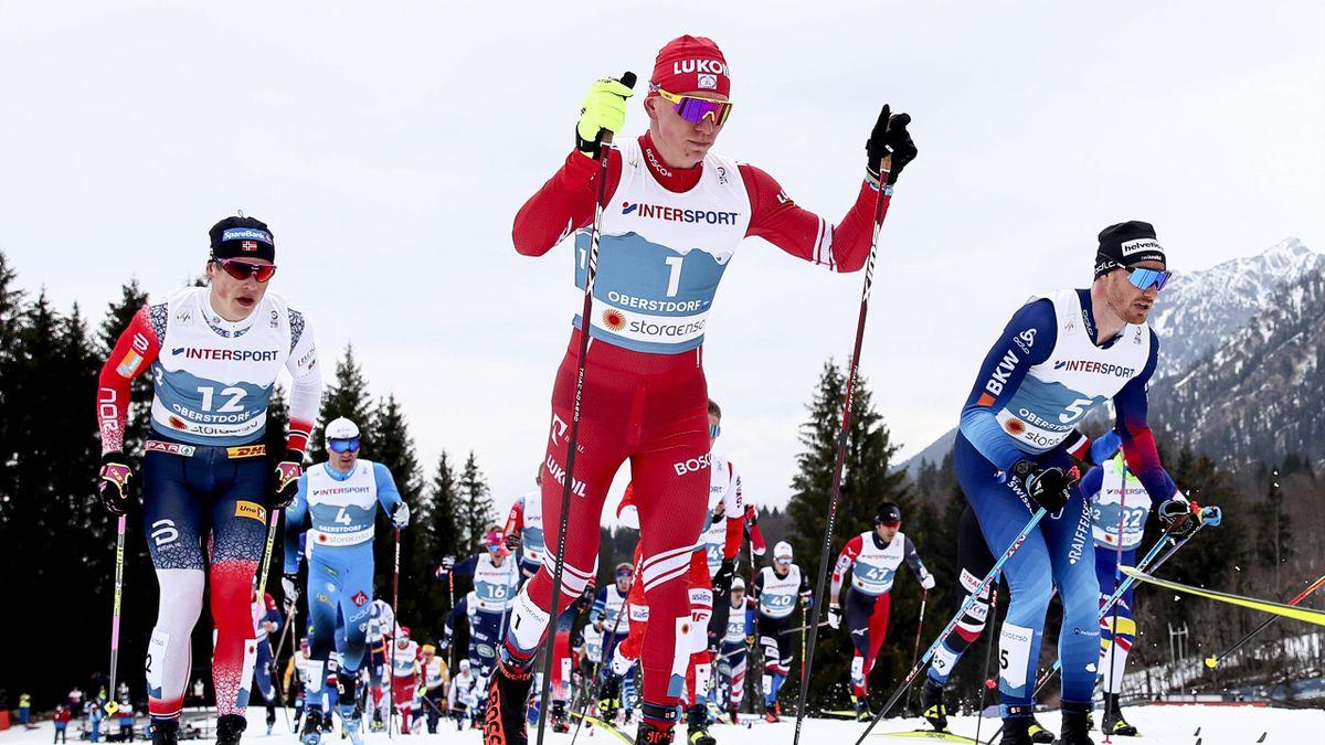 Александр Большунов на марафоне