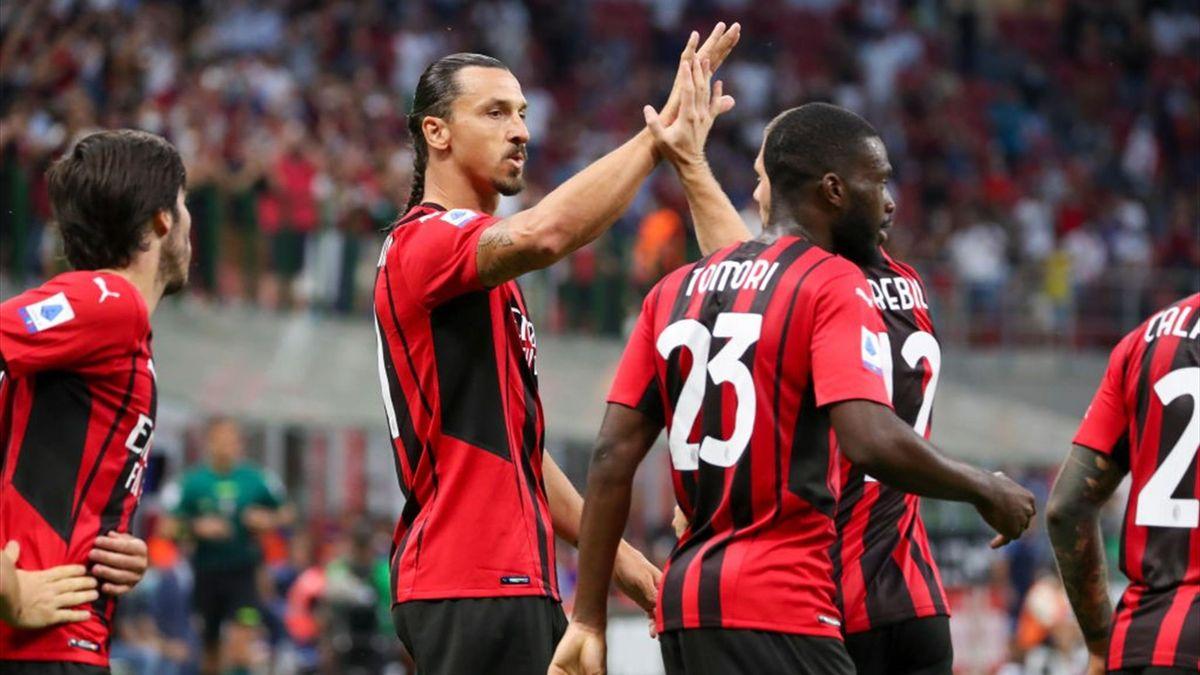 Zlatan Ibrahimovic esulta per il gol in Milan-Lazio - Serie A 2021/2022