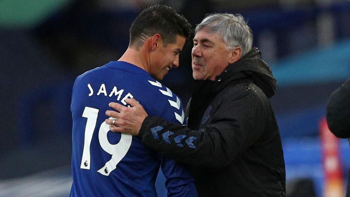 James Rodgriguez e Carlo Ancelotti all'Everton durante la stagione 2020-2021