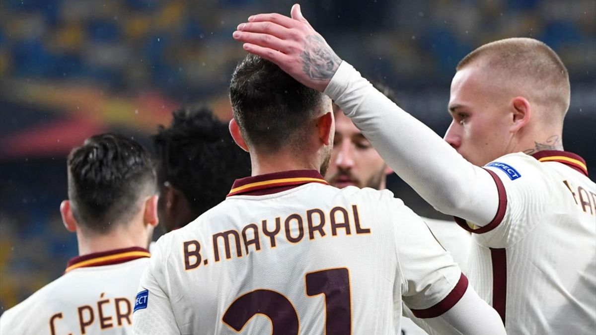 Borja Mayoral e Karsdorp esultano in Shakhtar Donetsk-Roma - Europa League 2020/2021 - Getty Images