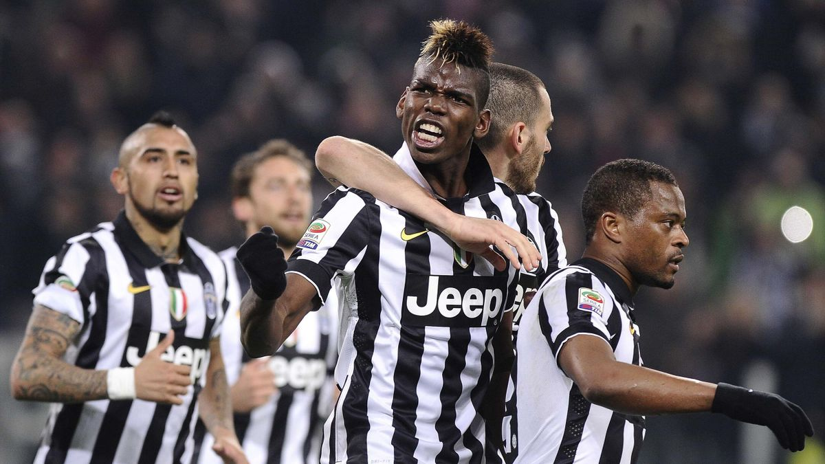 Paul Pogba of Juventus celebrates with his team-mates