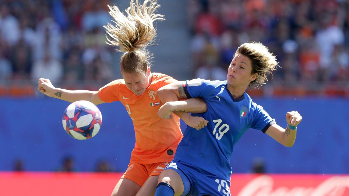 Desiree van Lunteren of Holland Women, Valentina Giacinti of Italy Women during the World Cup Women match between Italy v Holland at the Stade du Hainaut on June 29, 2019 in Valenciennes France