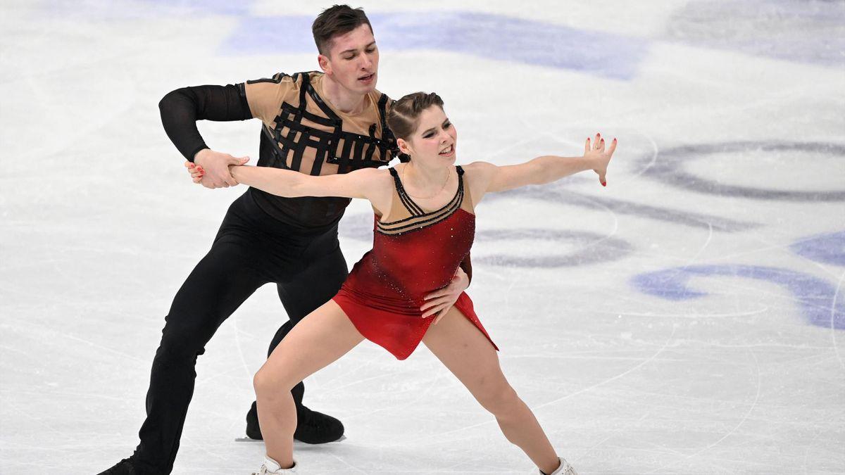 Anastasia Mishina és Aleksandr Galliamov a rövidprogram után még a harmadik helyen állt, majd világbajnok lett